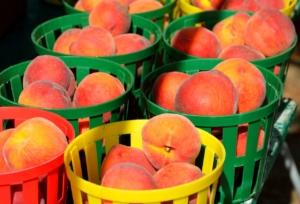 peaches-1652016_1280